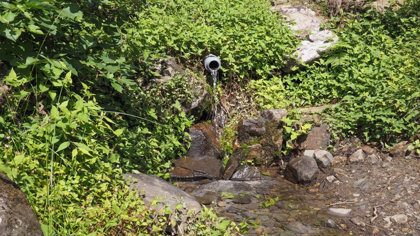 花背峠の湧き水